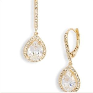 Nickel free Cubic zirconia with gold contrast
